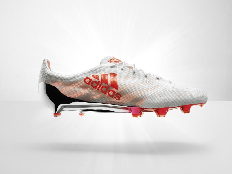 adidas presenta una nuova Limited Edition, rinnovando la scarpa da calcio più leggera al mondo