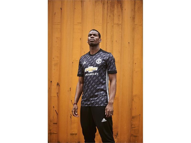adidas revela el uniforme de visitante de Manchester United para la temporada 2017/18