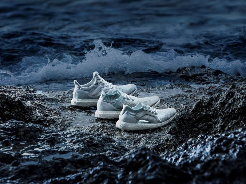 adidas presenta una nueva paleta de color para la línea de zapatillas adidas x Parley, haciendo referencia a la decoloración de los corales marinos