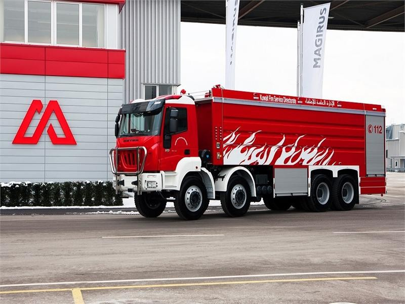 New dimensions: Largest tank pumper ever built – with road-use permission