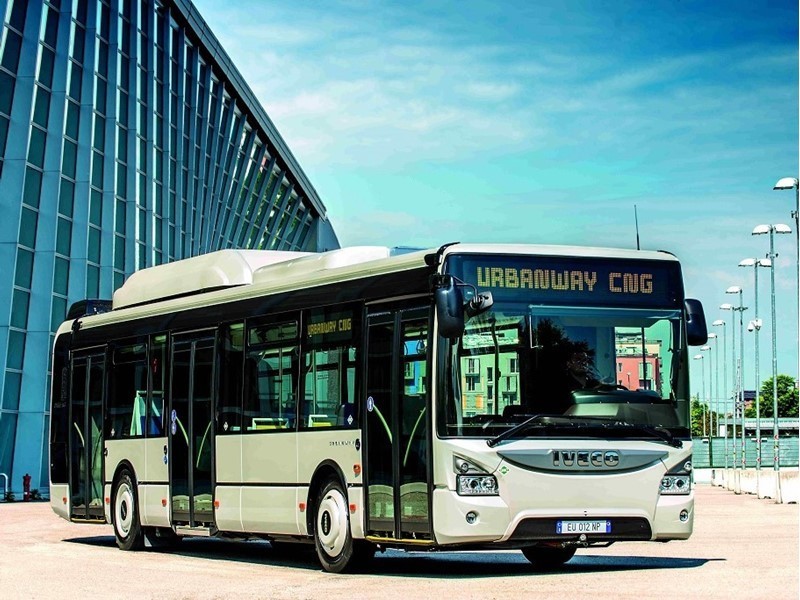A record in favour of the environment: in 2015 Iveco Bus produced more city buses with clean drivelines than diesels