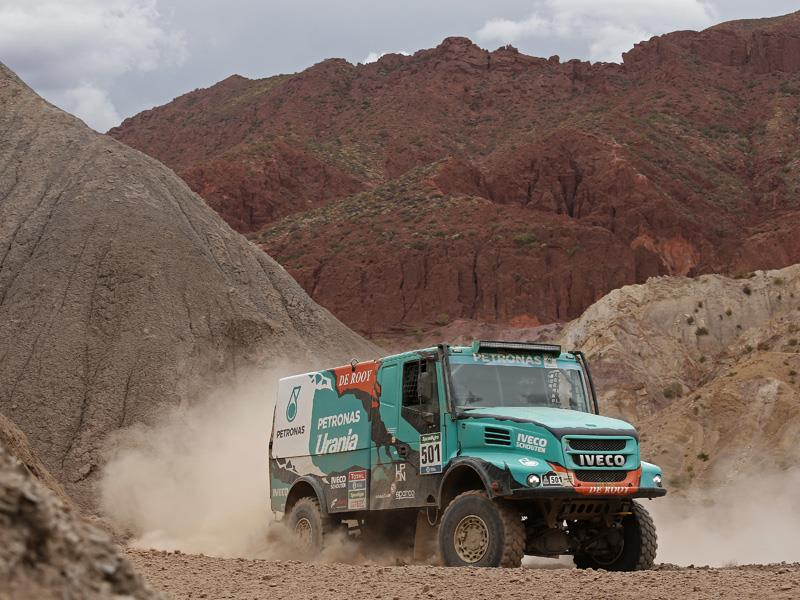 Dakar 2017: Team PETRONAS De Rooy IVECO sets off to South America to defend its historic win in 2016