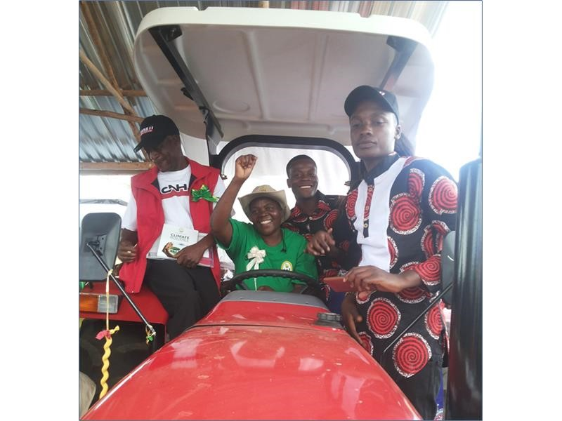 Zimbabwe Farmer of the Year 2016 winner receives first prize Case IH tractor
