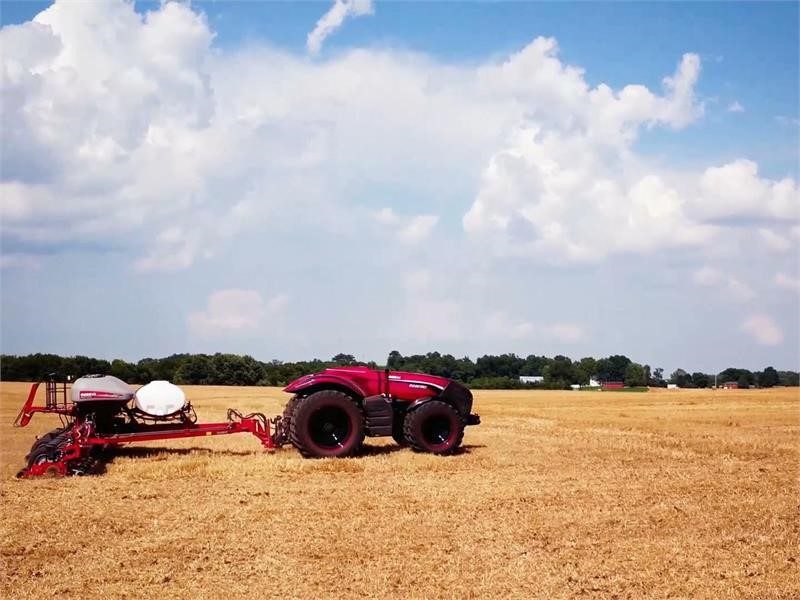 Autonomous tractor technology shows way forward for farming: enhancing efficiency and working conditions in agriculture