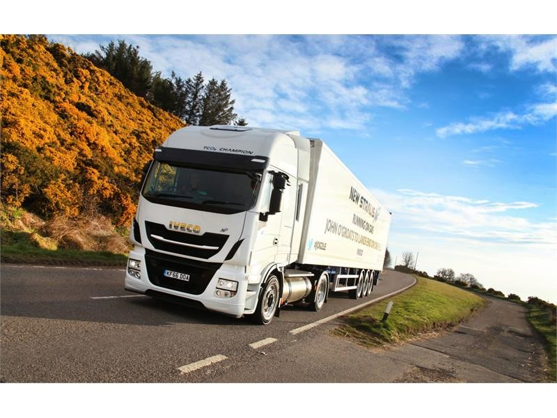 New Stralis NP completes longest UK road journey without refuelling