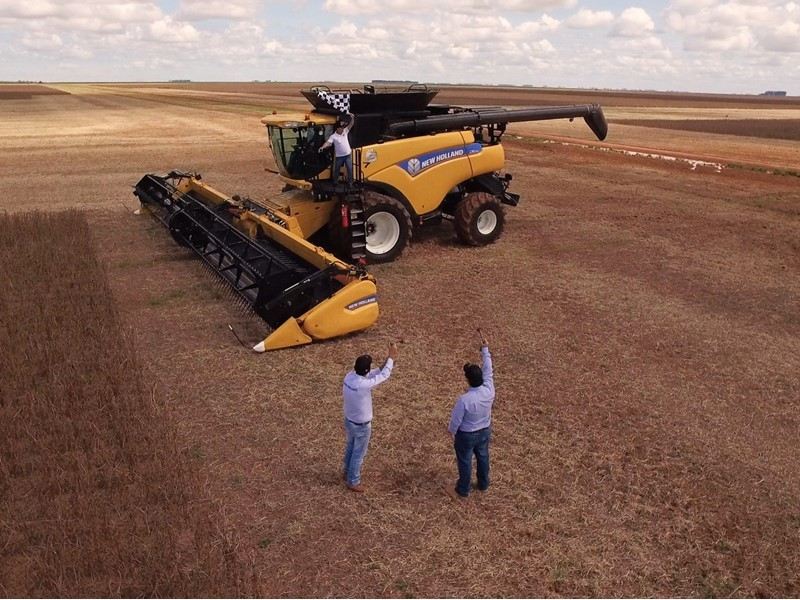 New Holland Agriculture sets new world record