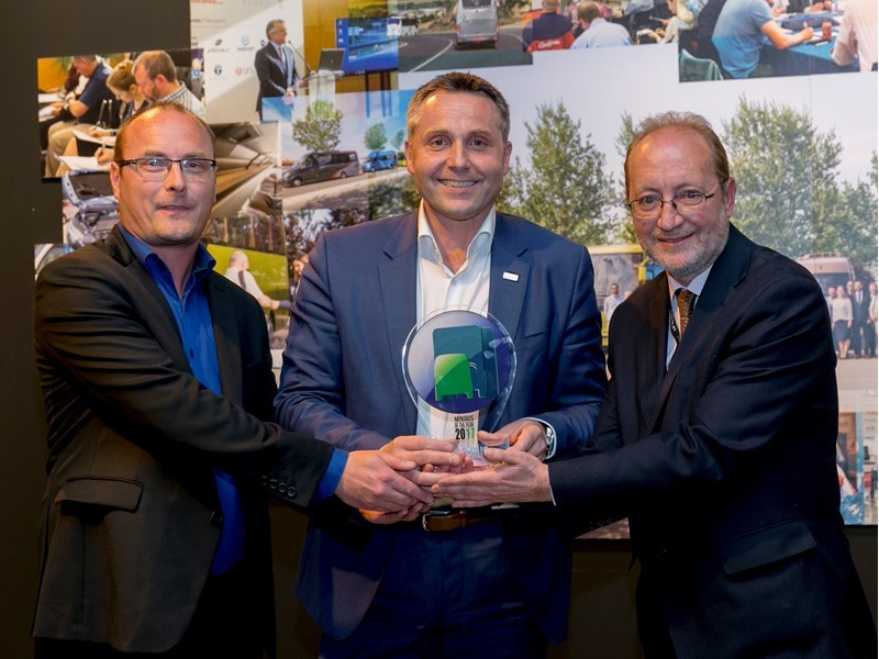 "Daily Tourys is crowned ""International Minibus of the Year 2017"""