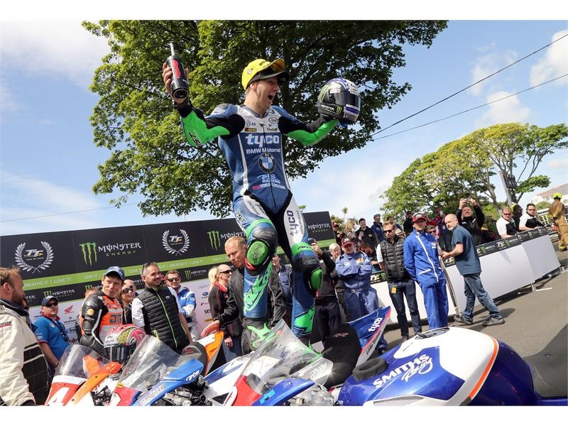 Double podium for Dunlop riders in Superstock