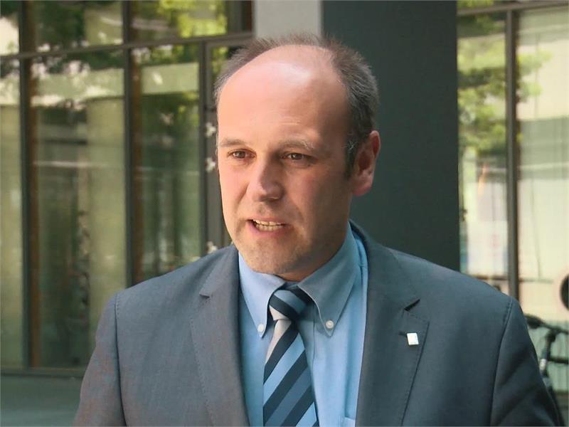 Mit dem Tablet auf den Acker - Rheinland-Pfalz geht digital voran mit SAPOS