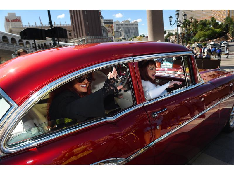 The Judds Cruise into Las Vegas for 'Girls Night Out'