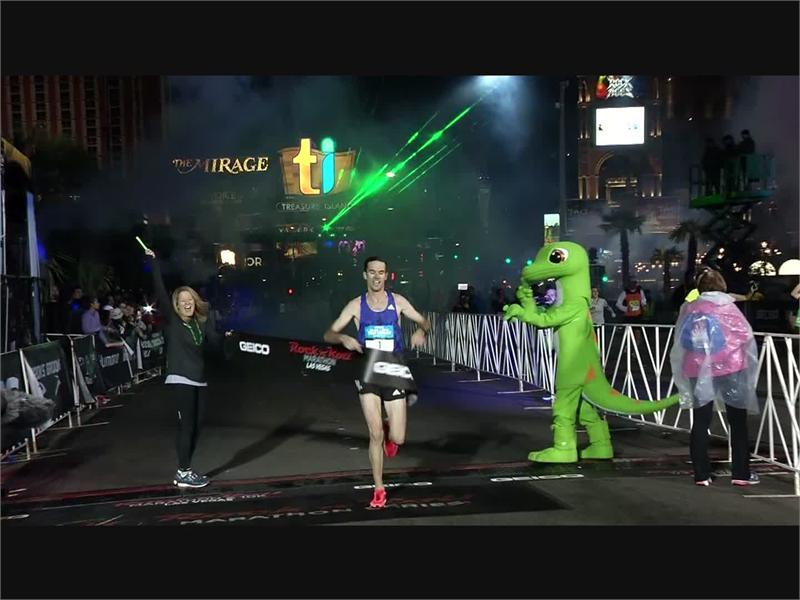 Photo Highlights: 45,000 Join Las Vegas Rock 'n' Roll Marathon
