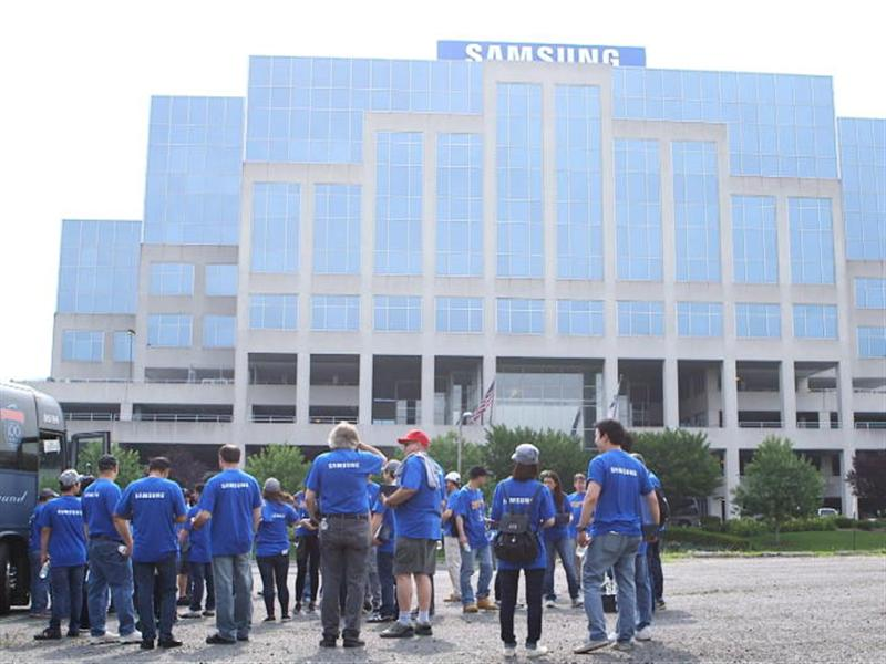 Samsung Employees Give Back to Local Communities Across the U.S. and Canada During Day of Service