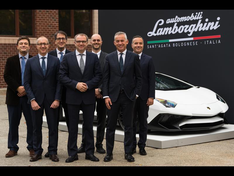 Automobili Lamborghini und das Massachusetts Institute of Technology arbeiten gemeinsam an der Zukunft der Supersportwagen