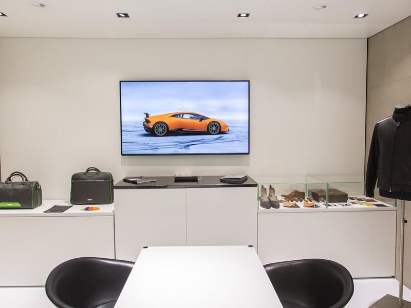 Lamborghini weitet Ad Personam  auf Mode- und Lifestyle-Kollektionen aus. Präsentation anlässlich auf dem Genfer Autosalon 2017