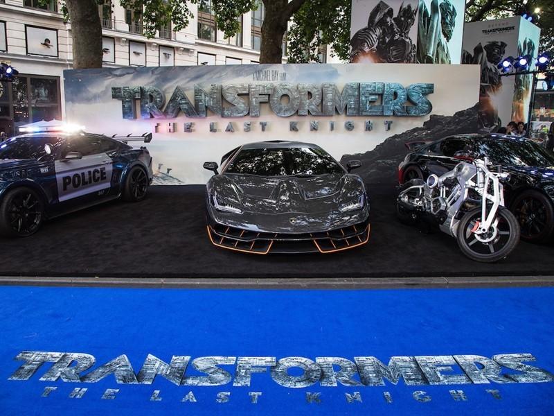 """La Lamborghini Centenario alla premiere londinese di """"Transformers: l'Ultimo Cavaliere"""""""