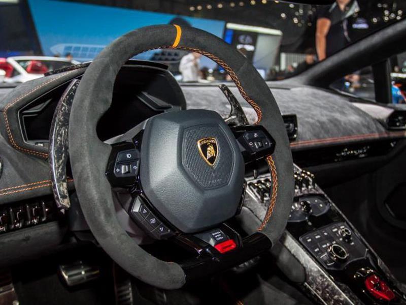 Alcantara Returns as Lamborghini Super Trofeo North America Partner in 2017
