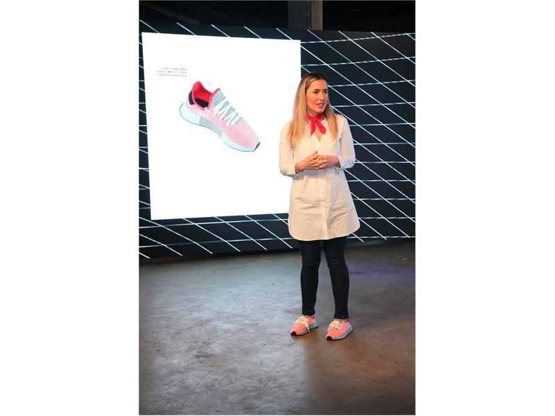 adidas Originals Tasarımın Yapı Taşı Gridden Esinlenerek Yıkıcı Sade Tasarımı Deerupt'ı Tanıttı