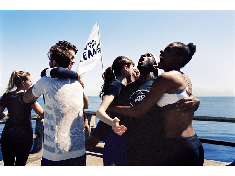 'RUN FOR THE OCEANS' SE ÎNTOARCE –  ADIDAS X PARLEY VALORIFICĂ PUTEREA SPORTULUI PENTRU A CREȘTE GRADUL DE CONȘTIENTIZARE PRIVIND POLUAREA MARINĂ C...