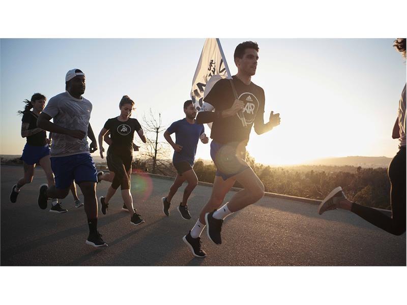 'Run for the Oceans': adidas e Parley usam o poder do esporte para criar conscientização sobre a ameaça da poluição marinha