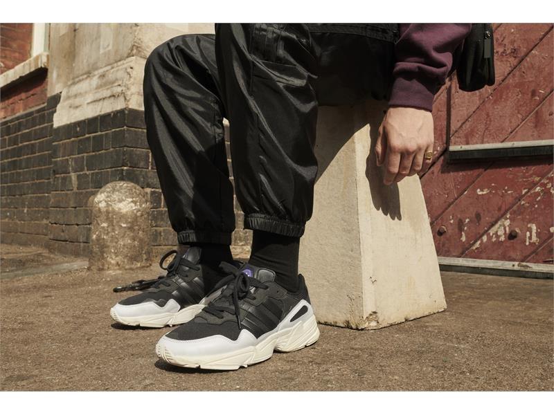 La silueta Yung 96 de adidas Originals vuelve a las calles