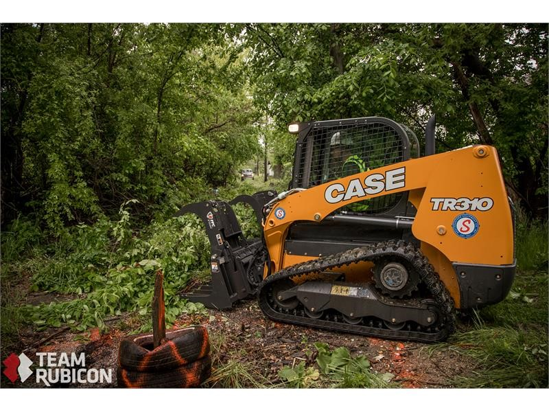 Southeastern Equipment Donates CTLs to Team Rubicon for Neighborhood Revitalization Project in Detroit