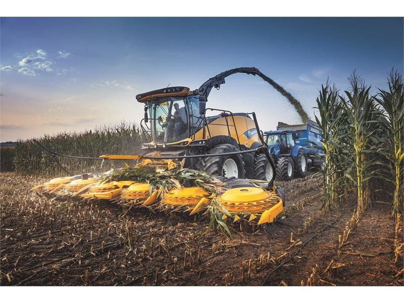 New Holland extends forage harvester range with new flagship FR920 Forage Cruiser and introduces new DuraCracker™ and DuraShredder™ heavy-duty crop...