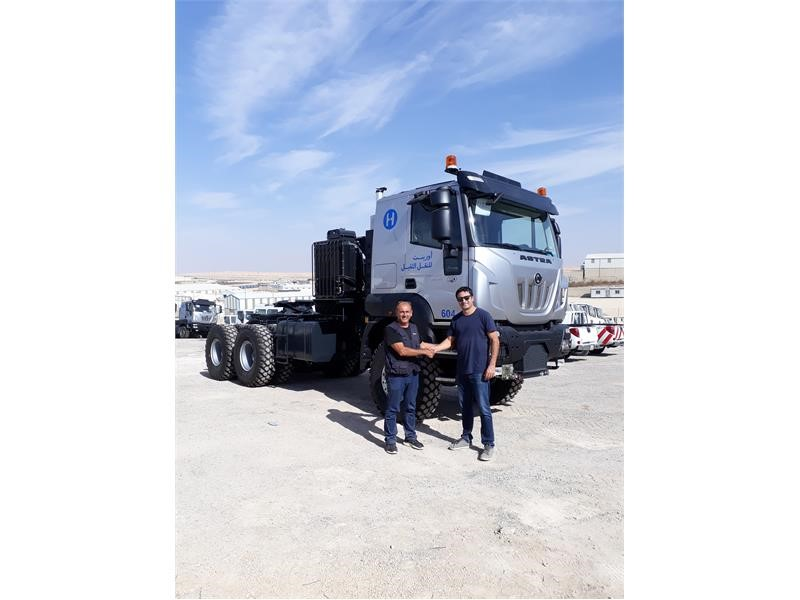 IVECO Astra delivers five HD9 heavy haulage push&pull tractors for Jordan