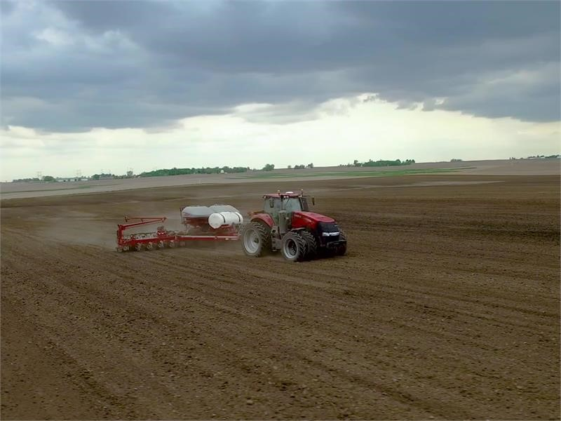Case IH Introduces AFS Soil Command on the Tiger-Mate 255 Field Cultivator