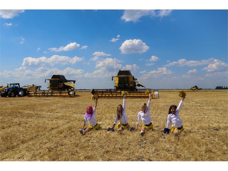 New Holland соединил самые современные технологии в сельском хозяйстве и спортивный азарт