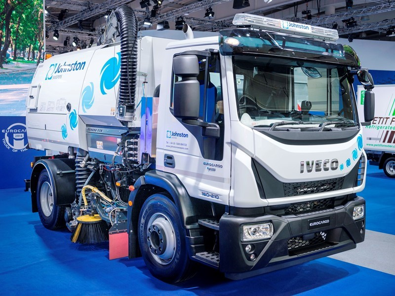 IVECO and Johnston Sweepers present sustainable zero-Diesel CNG sweeper based on Eurocargo NP that delivers zero Particulate Matter emissions