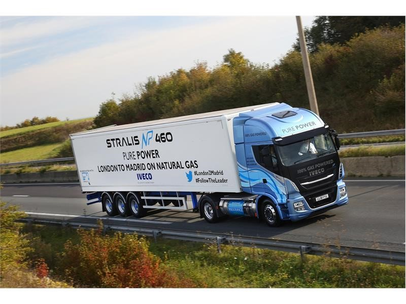 IVECO Stralis truck achieves record-breaking distance of 1,728km on a single fill of natural gas