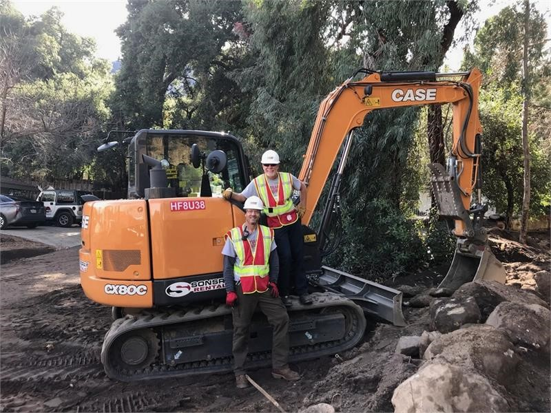 CASE, Sonsray Machinery Provide Team Rubicon with Equipment for California Wildfire Response