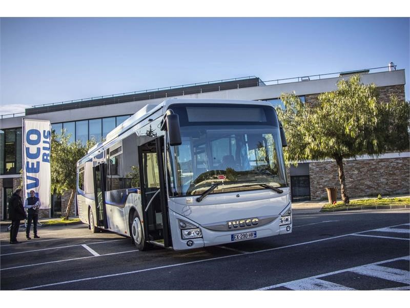Record order of 37 Crossway Natural Power coaches for the Dracénie Region, France