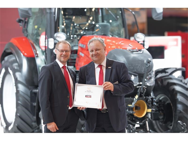 """Case IH Versum CVXDrive with Stage V engine and Quadtrac CVXDrive are awarded """"Machine of the Year 2019"""""""