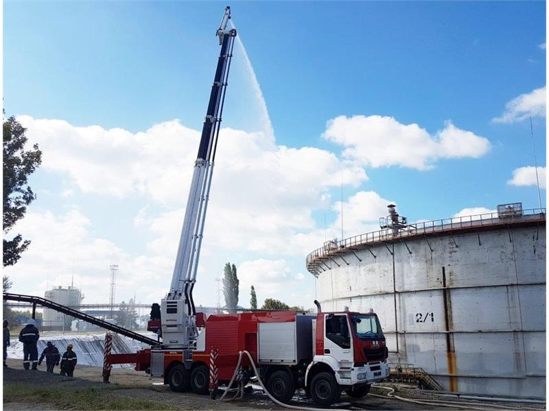 The unique new generation PPP-55 foam tower on an IVECO TRAKKER chassis assembled by IVECO-AMT enters operation at the Saratov Oil Refinery