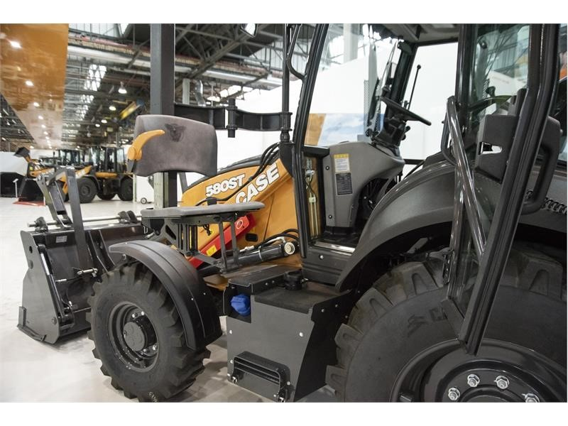CASE Construction Equipment unveils accessible backhoe loader prototype at bauma 2019