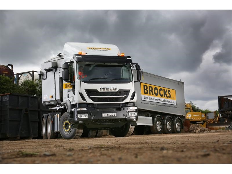 Brocks Haulage builds on 'image boosting' IVECO order with the UK's first Stralis X-Way 6x4 tractor unit
