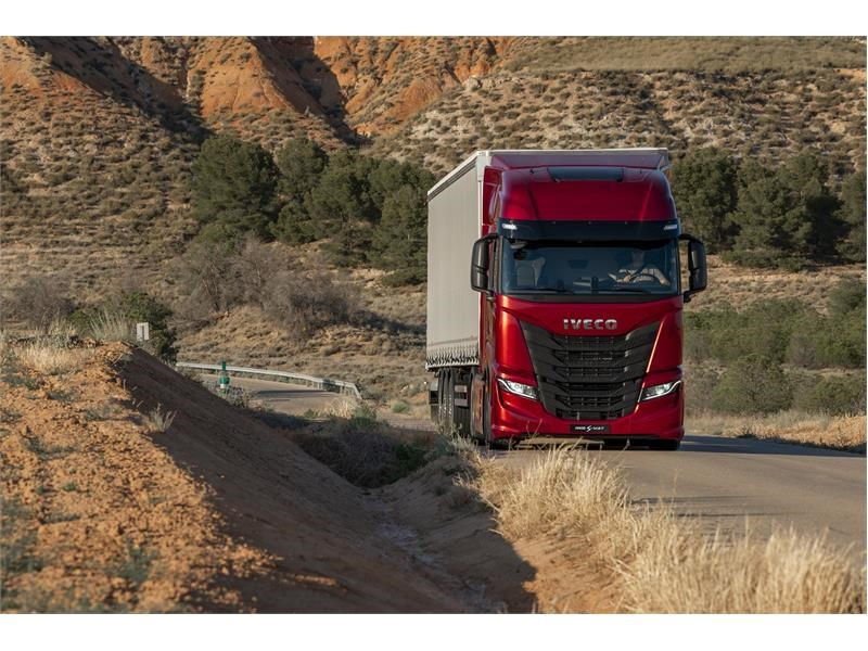 IVECO S-WAY: the 100% connected truck unlocks a world of new services and functionalities to optimise TCO