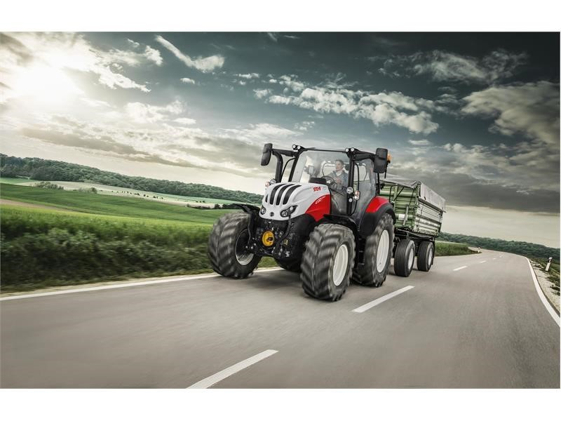 The STEYR Expert CVT – enhanced premium comfort and equipment in the compact class