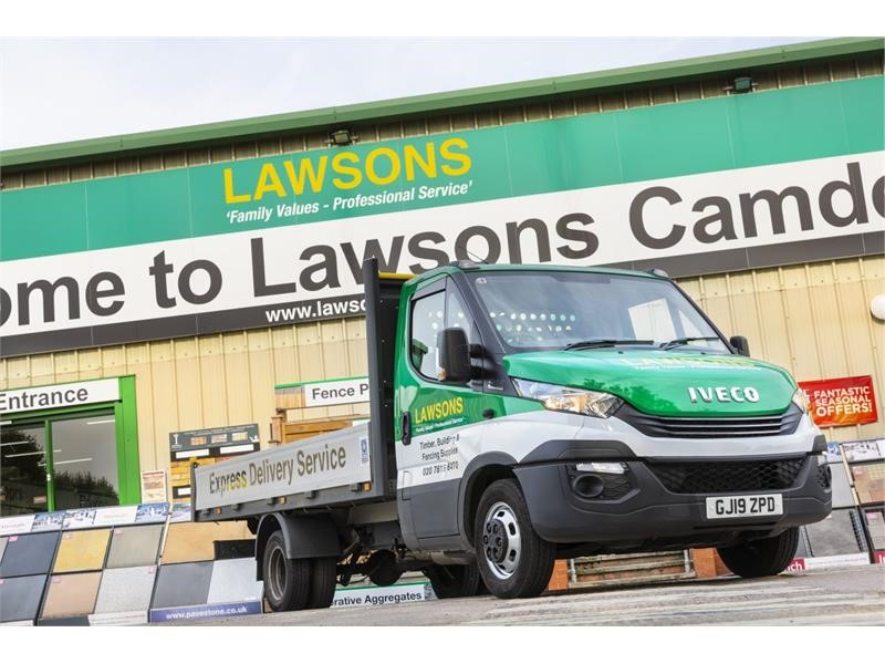 Lawsons trusts in IVECO to deliver truck-like aftersales support for Daily fleet