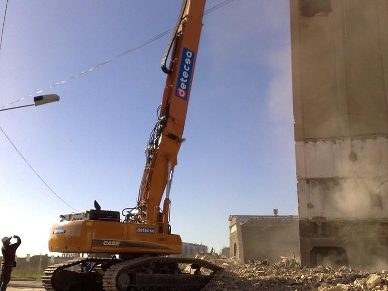 Первый международный демонтажный форум прошел в России при участии производителя CASE Construction Equipment