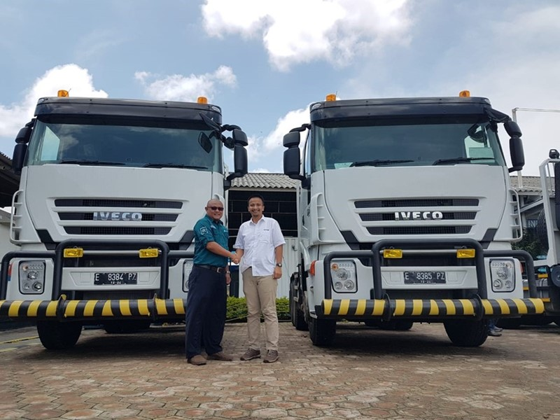 IVECO delivers first batch in order for 44 IVECO 682 trucks in Indonesia