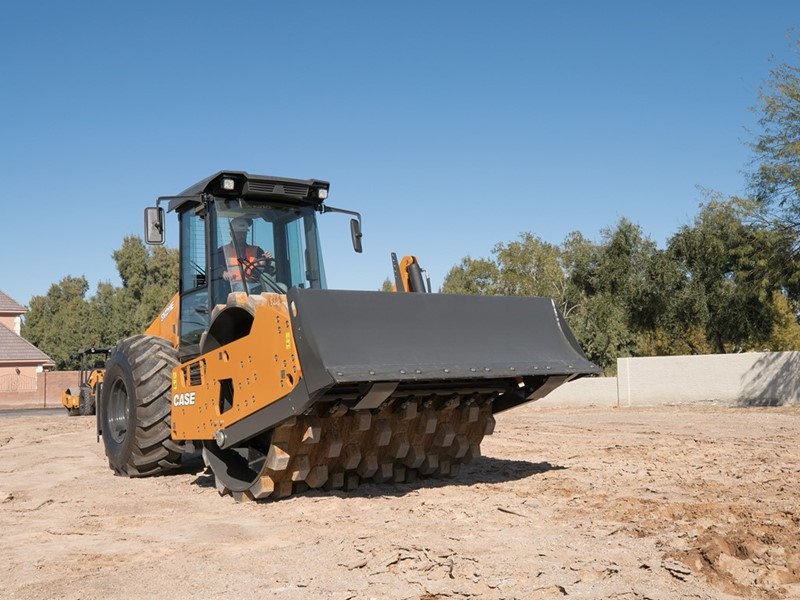 CASE Unveils New E Series Single Drum Vibratory Rollers