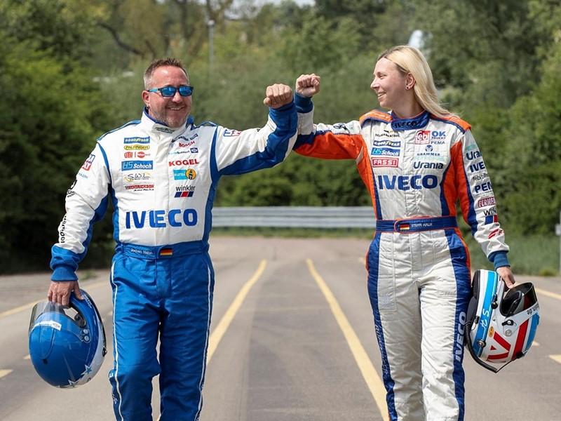 IVECO presents the new IVECO S-WAY R racing trucks
