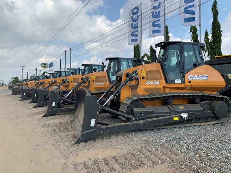 CASE Construction Equipment delivers 125 units to Angola's Ministry of Transport