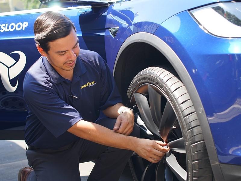 Goodyear Announces Intelligent Tire Trial - Expands Fleet Management Solution for Semi-Autonomous Fl