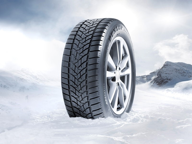 Taking the lead in winter: Dunlop and Goodyear take first and second place in winter tire tests