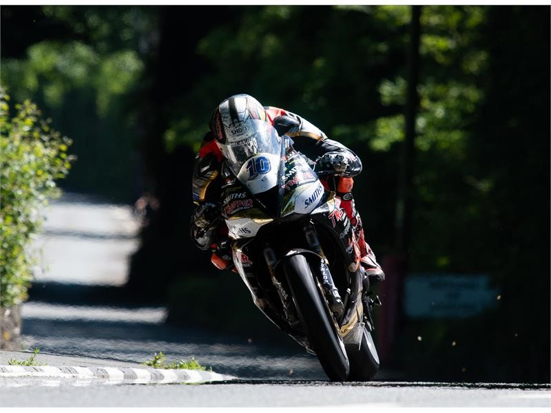 Dunlop claims fifth successive TT Zero victory at Isle of Man TT