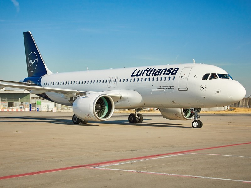 Lufthansa Group buys more new generation short- and medium-haul aircraft