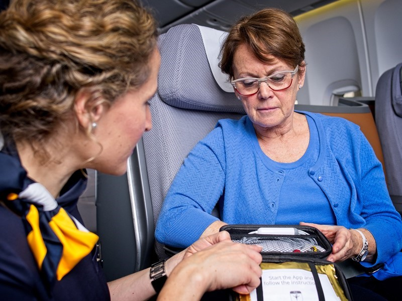An ECG at an altitude of 10,000 meters: Lufthansa uses telemedicine on board its long-haul fleet